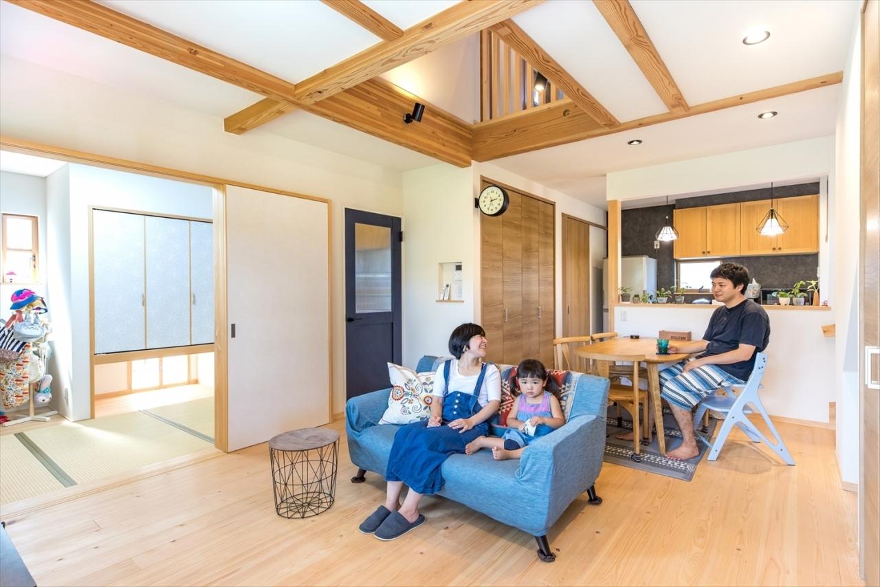 家族時間を楽しむカフェ風の家