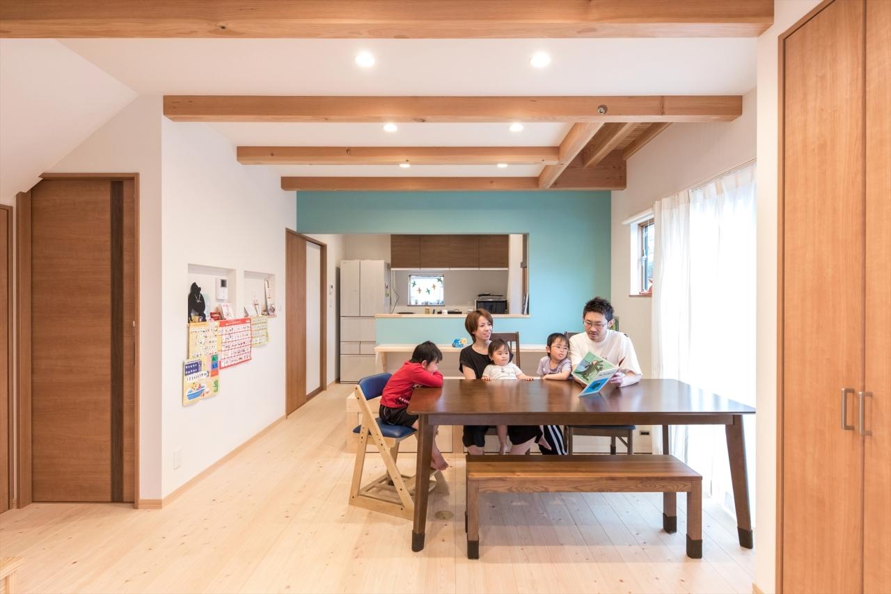 子育て世代のおうち時間を楽しむ家